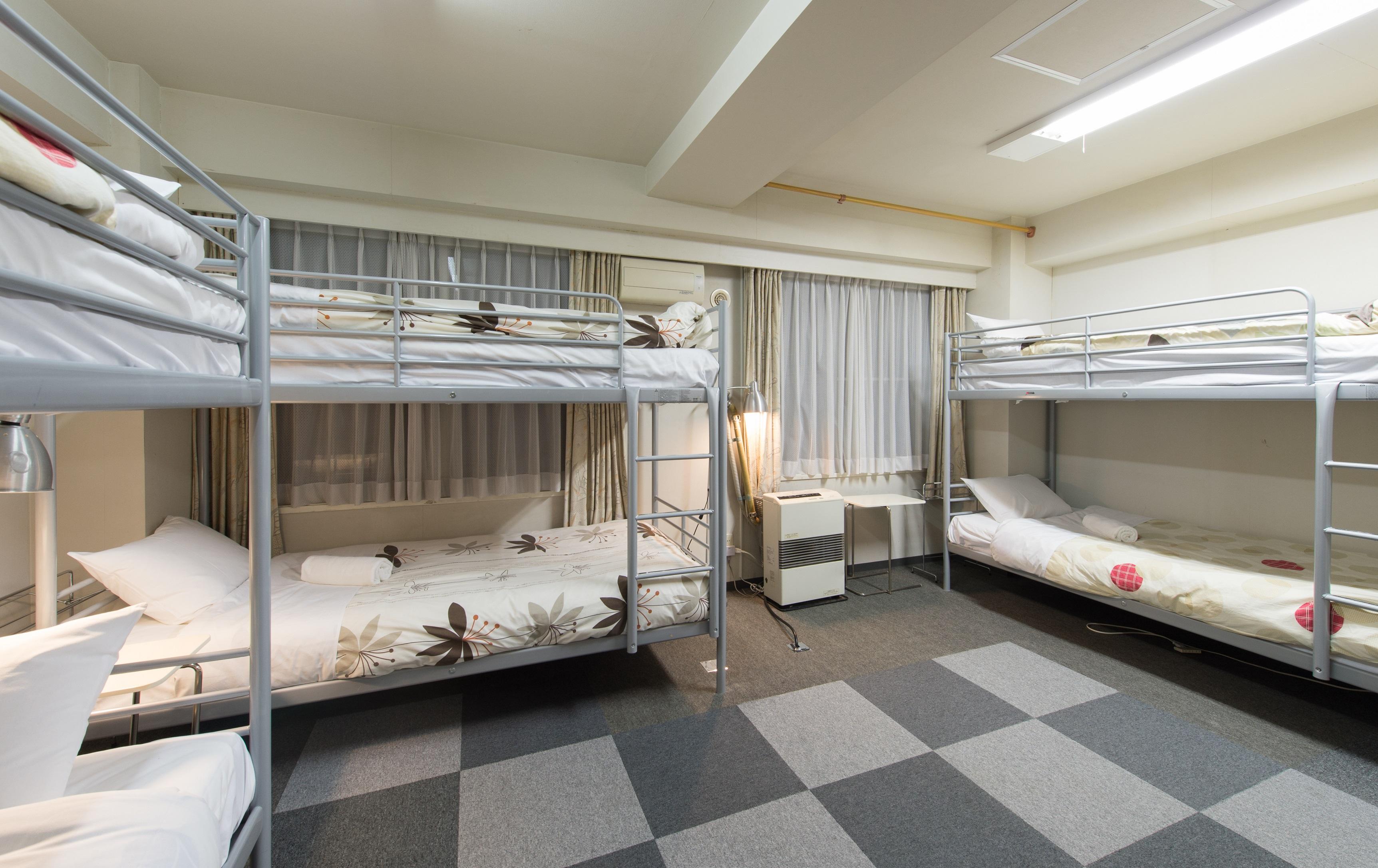 6 person dorm room