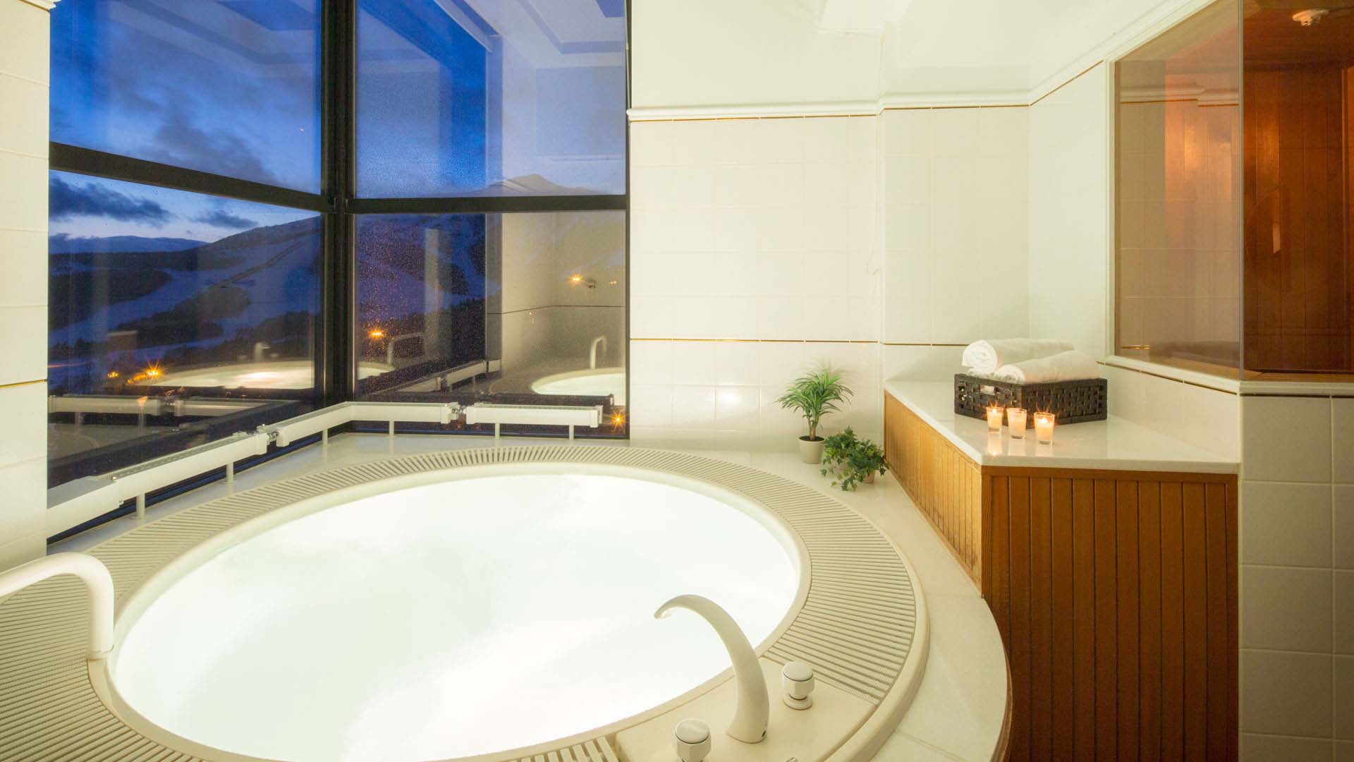 Guest-Room-Bath-Night