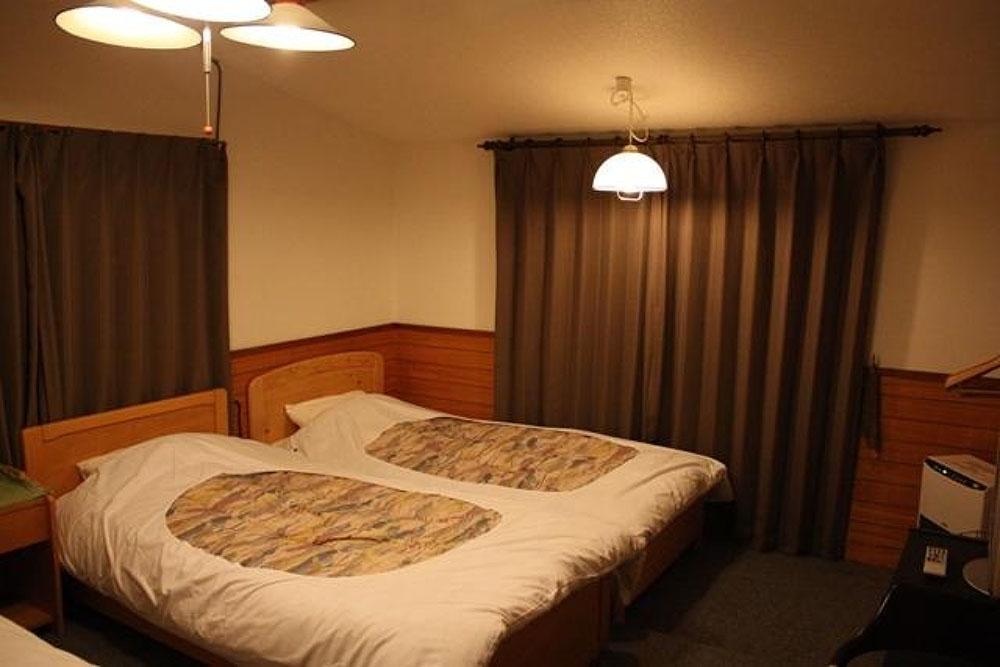 Western room 1