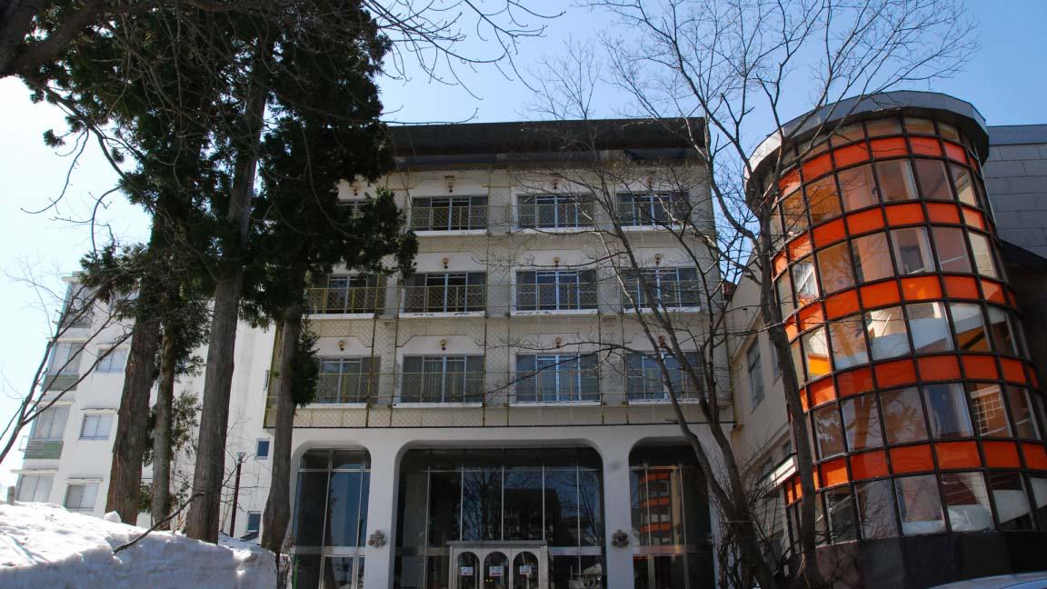 akakura_hotel_exterior_200515_medium