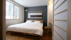 forest_view_bedroom2_240615_medium