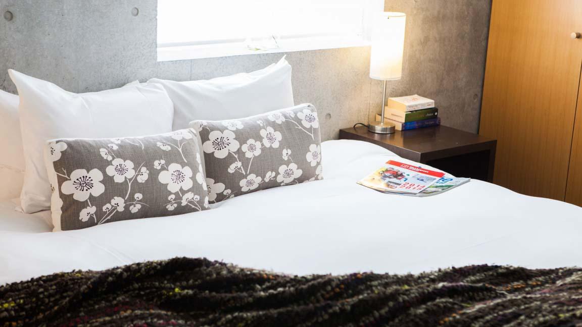 full_circle_bedroom2_190515_medium