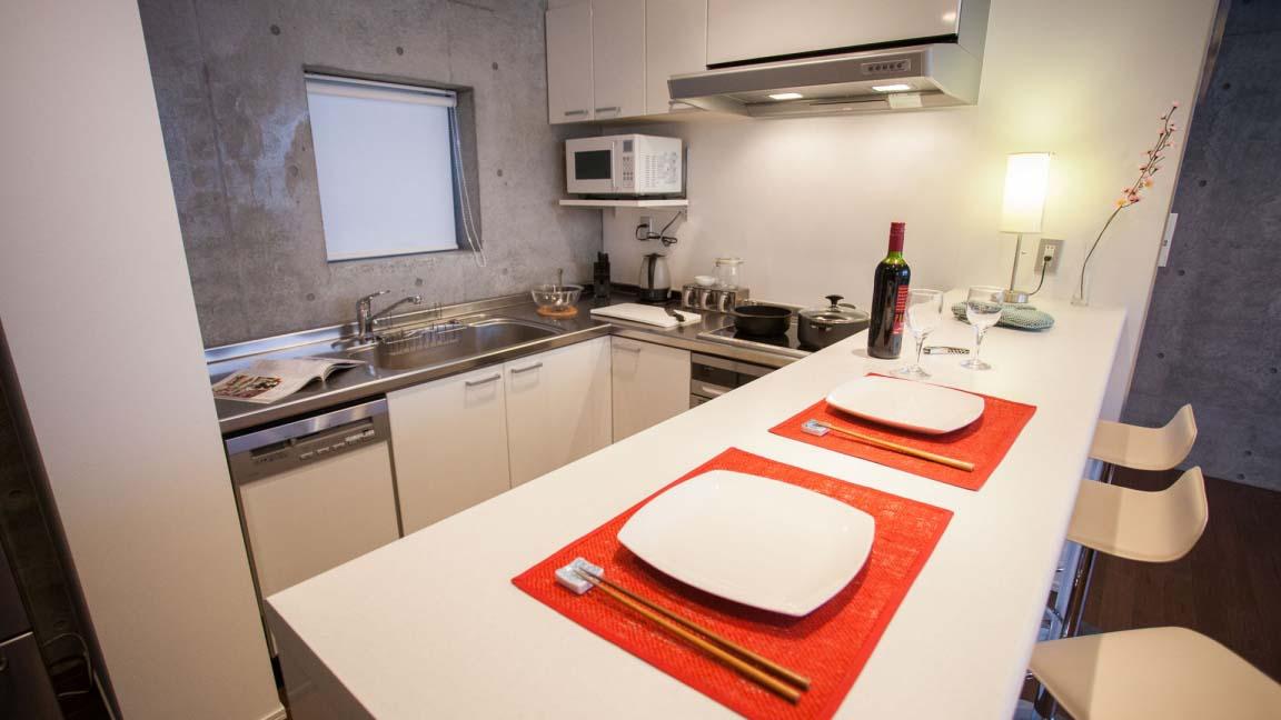 full_circle_kitchen_bar_190515_medium