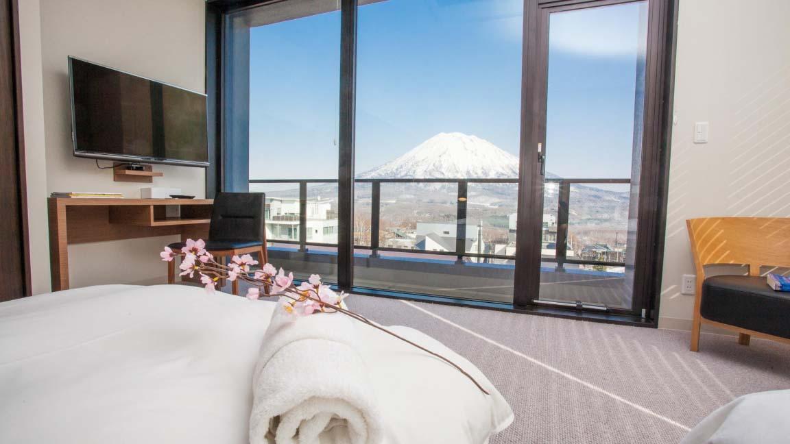 hirafu_188_bedroom_yotei_view_190515_medium