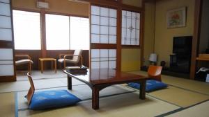 kiriya_ryokan_japanese_room2_190515_medium