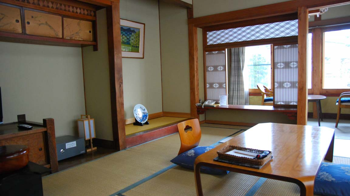 kiriya_ryokan_japanese_room3_190515_medium