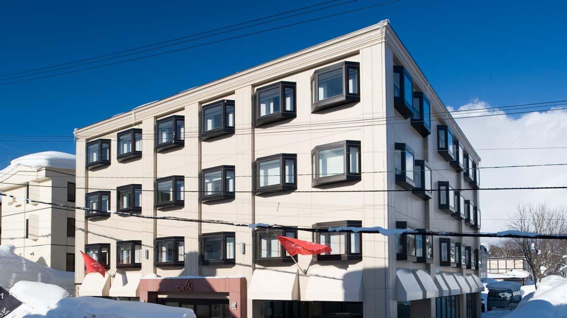 m_hotel_exterior_210515_medium