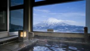 niseko_prince_hotel_hirafutei_room_onsen_yotei_view_200515_medium