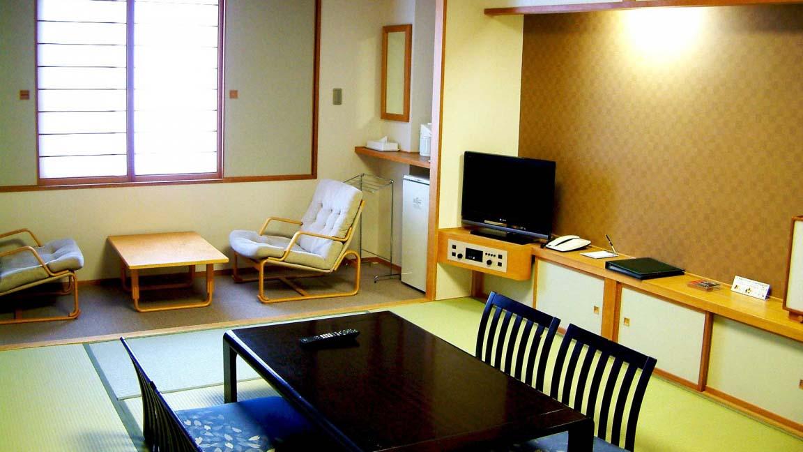 rusutsu_north_and_south_wing_rusutsu-resort-north-south-japanese-room_080515_medium