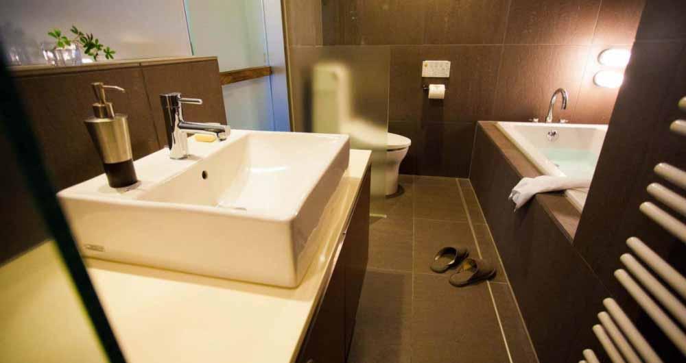 shikaku_bathroom_190515_medium