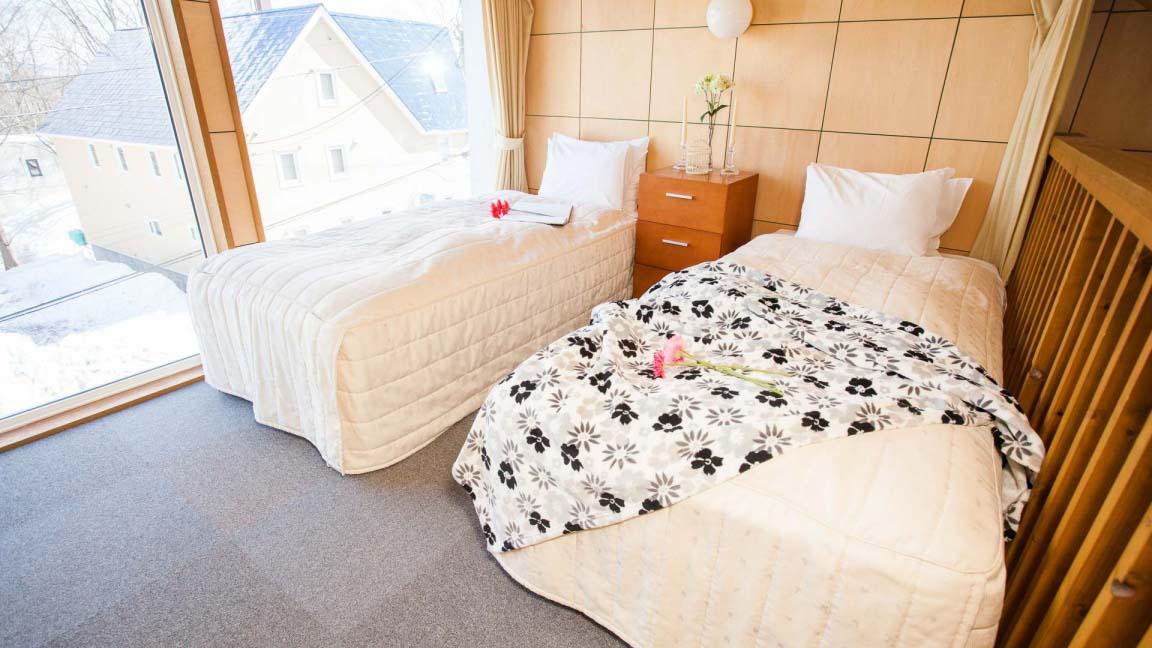 yotei_cottage_bedroom_190515_medium