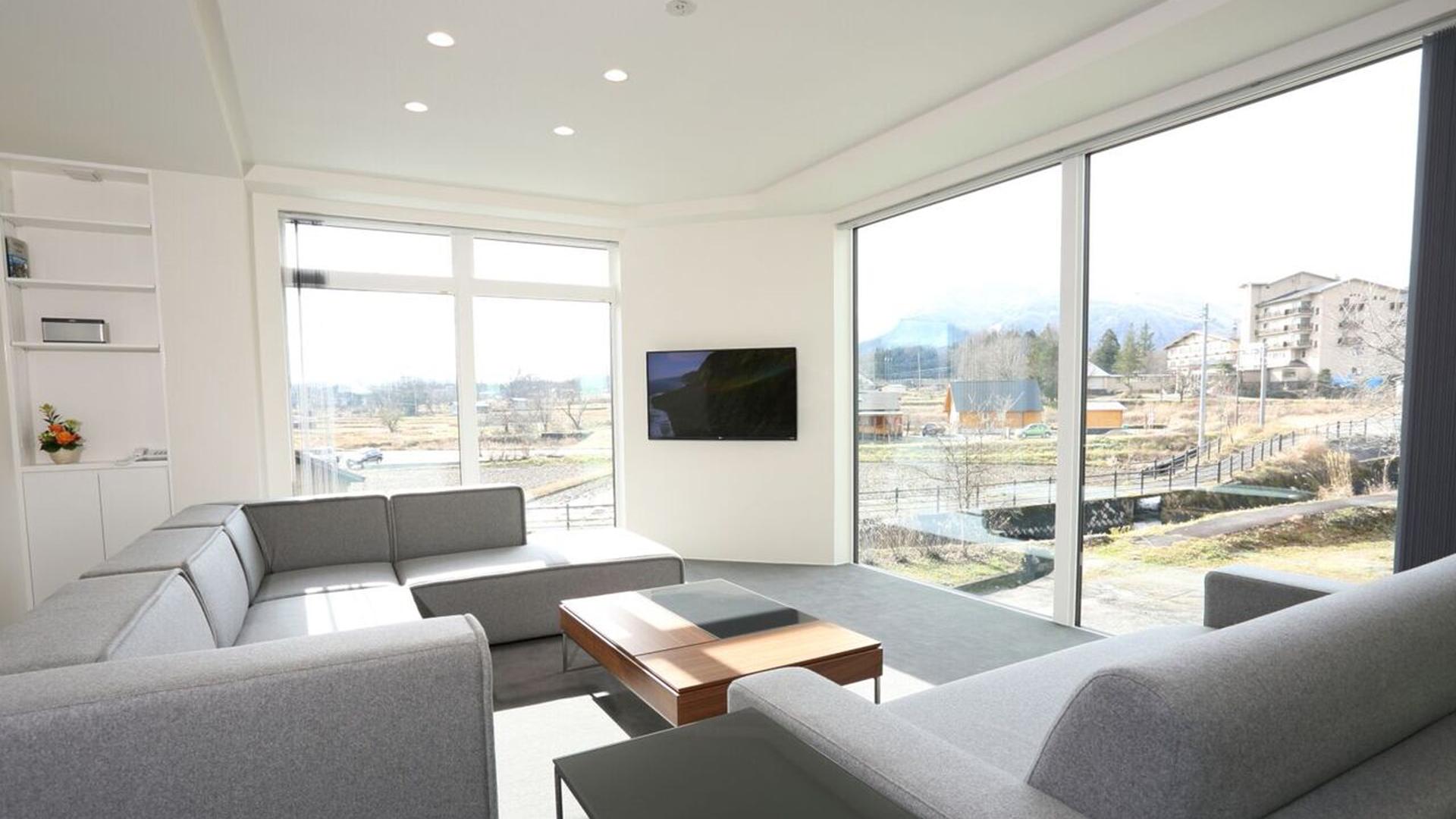 02Bluebird Apartments