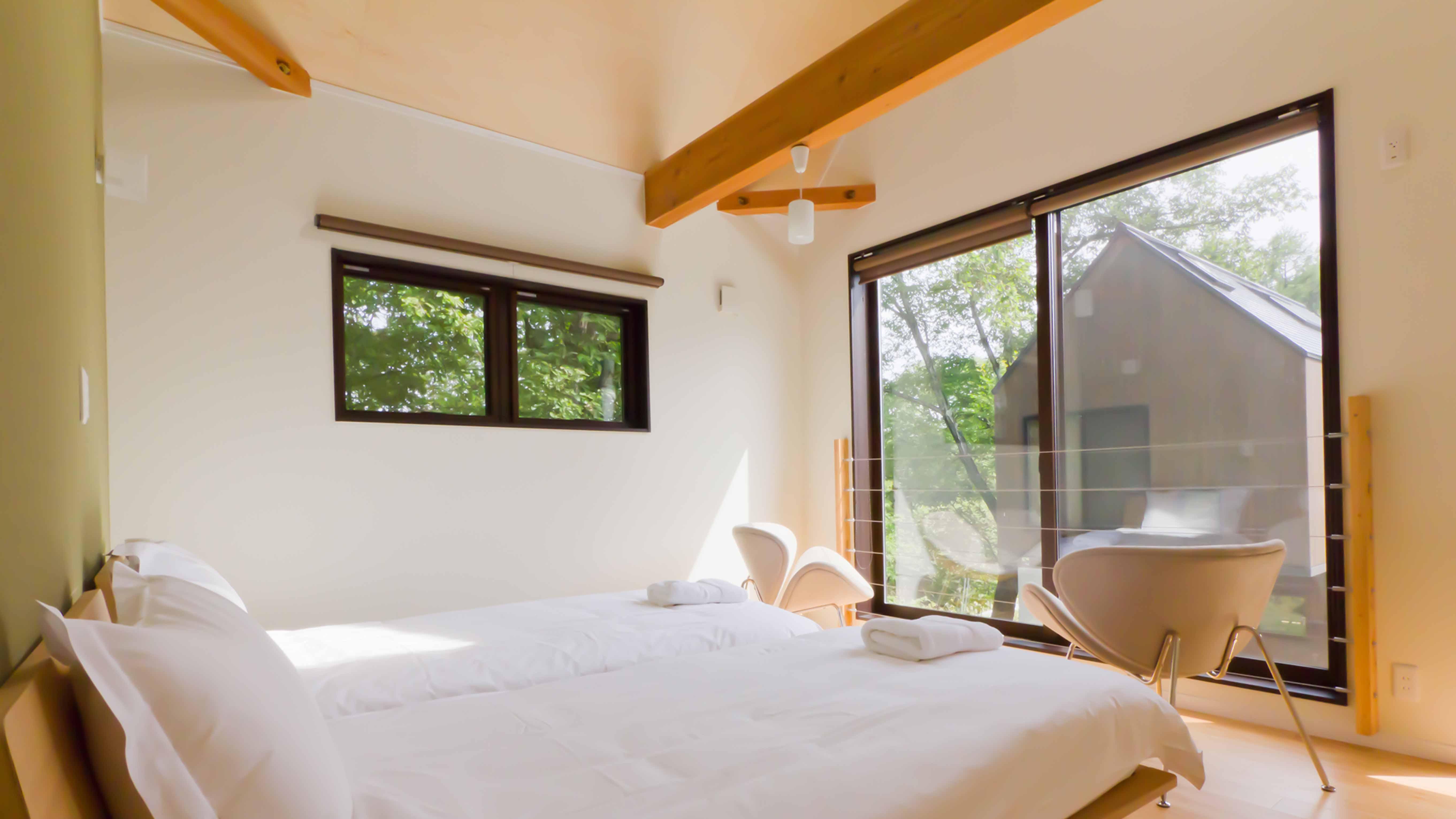 Gakuto Villas – Upstairs Bedroom 2