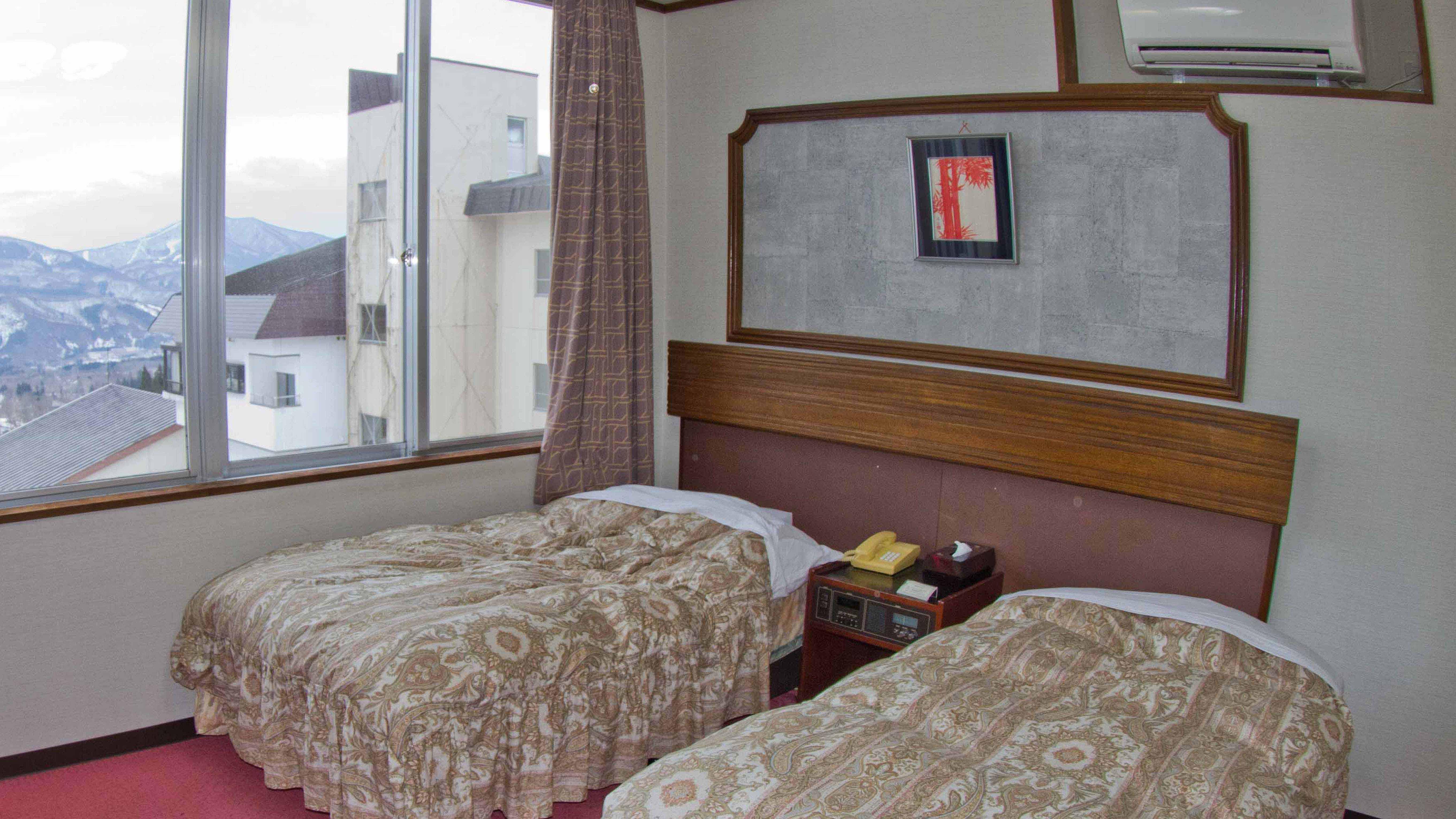 Myoko-Hotel-Taizan-Bedroom