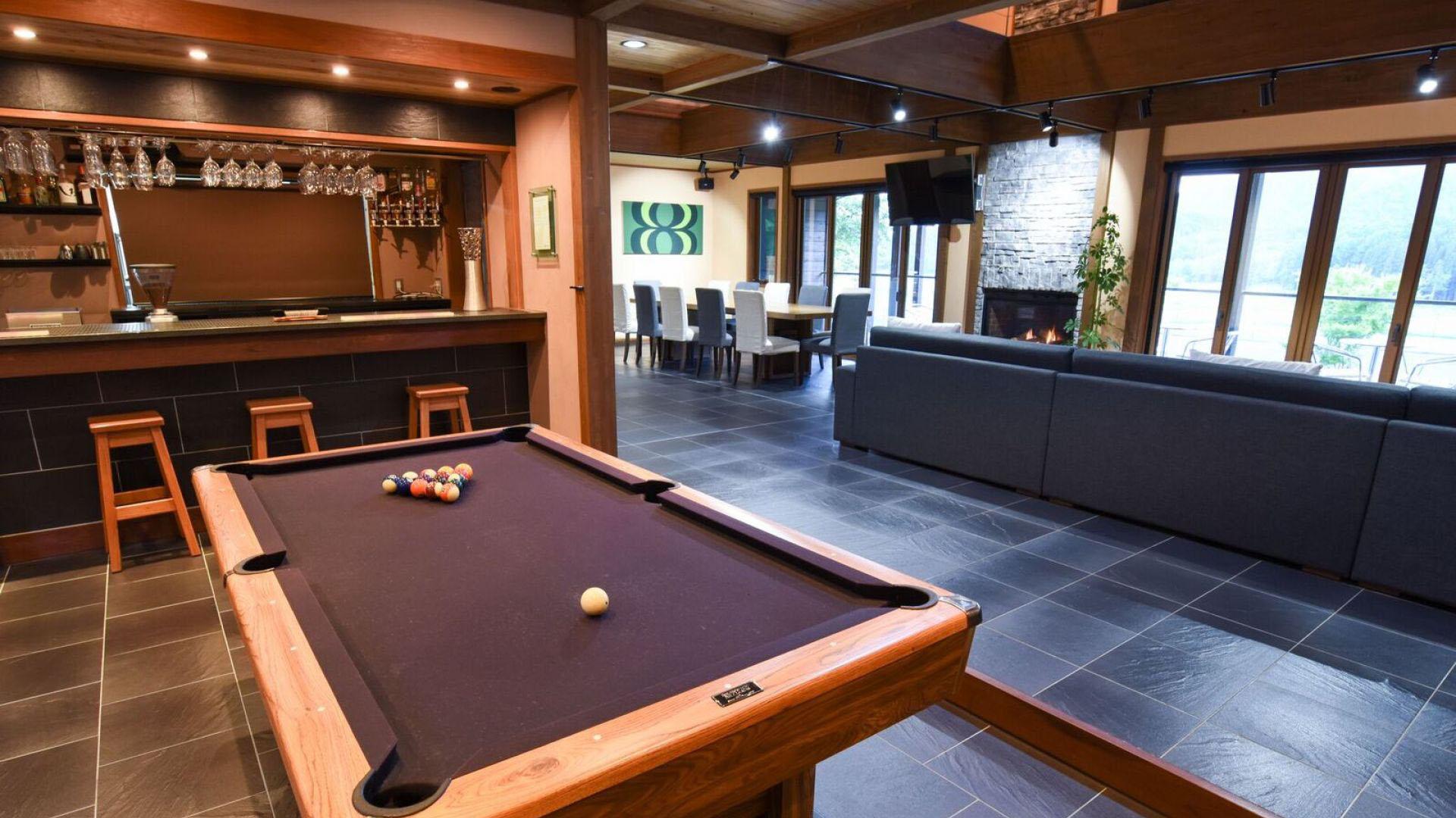 powderhouse-pool table