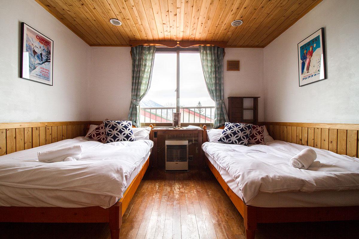 Room 203 Twin