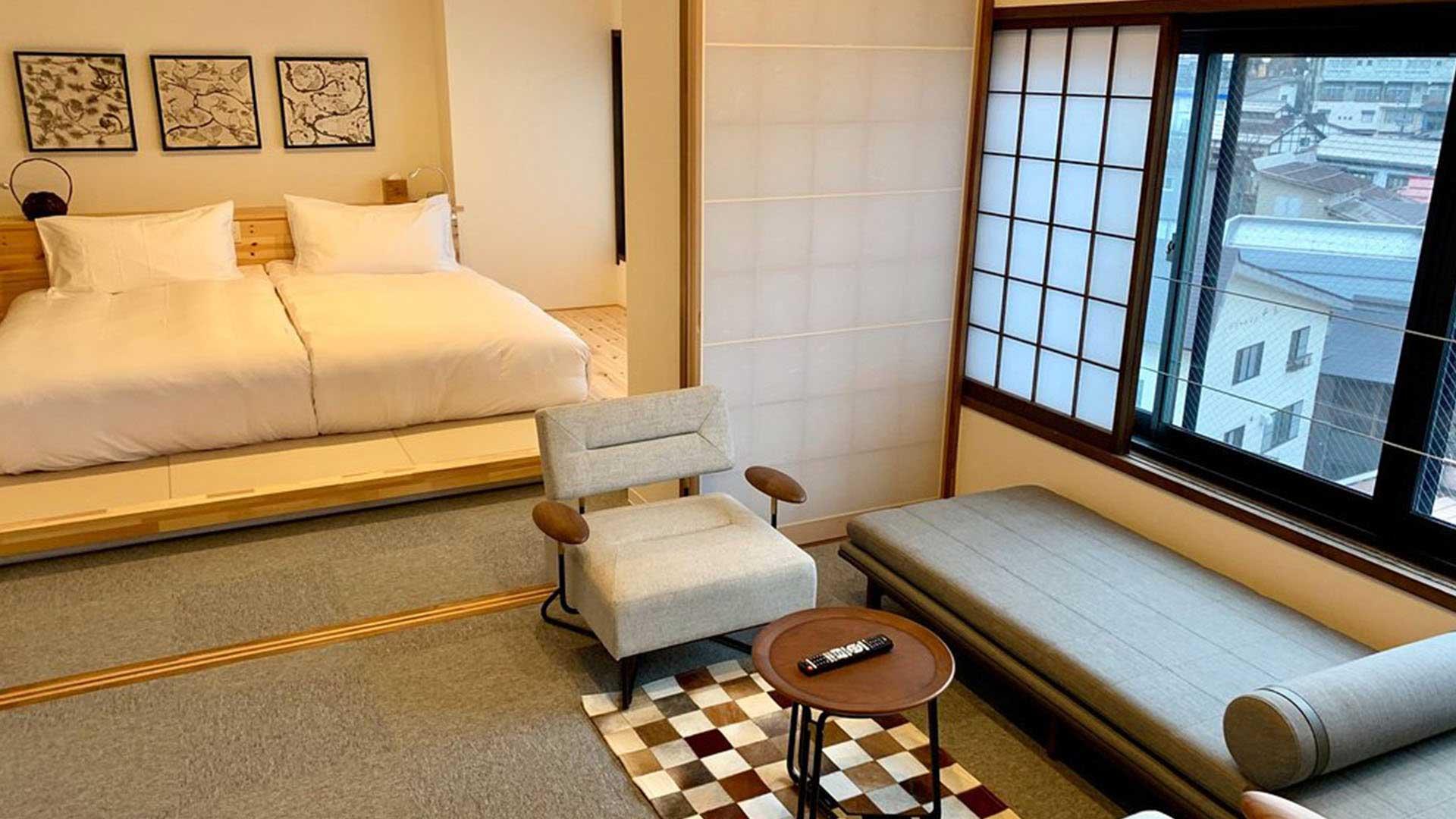 yasushi-web_0001_Suite-Room-3
